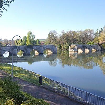 Couture d'un vieux pont